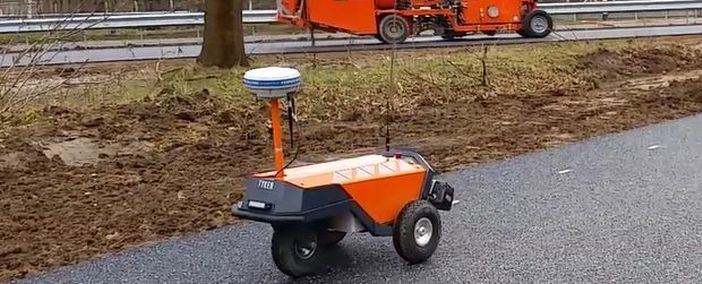 Robot Plotter delivered to Van Rens mobiliteit