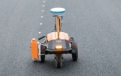 Precision from MoveRTK for robotization in road construction