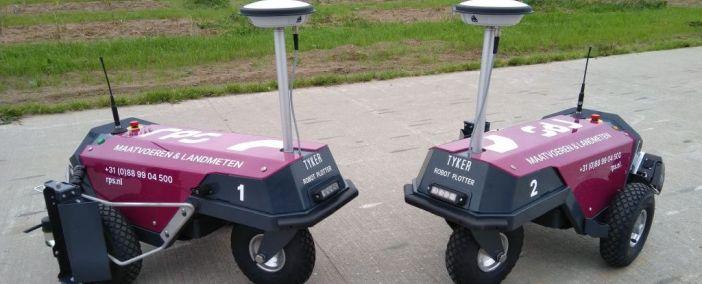 2 Robot Plotters geliefert an RPS