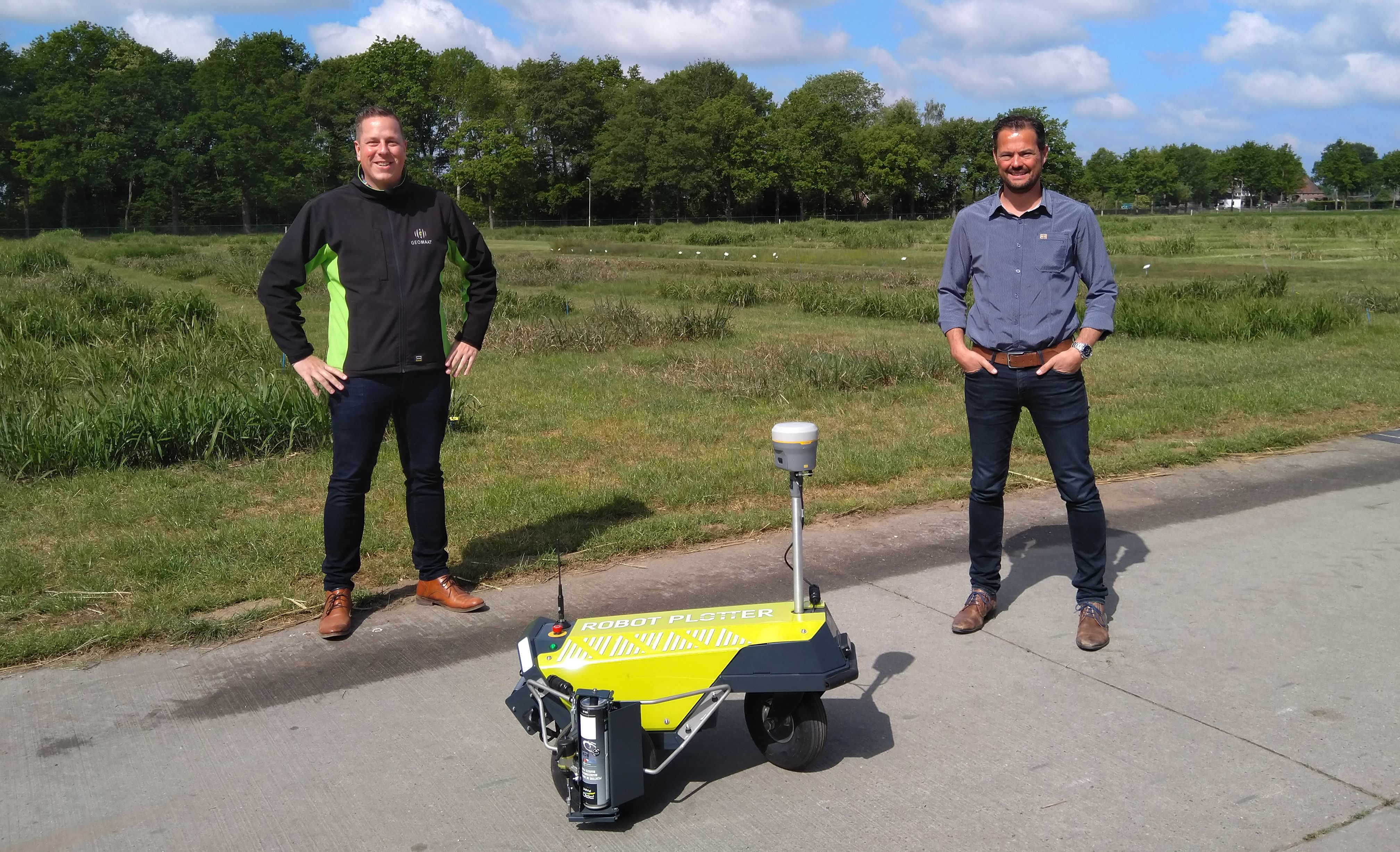 Second Robot Plotter delivered to Geomaat