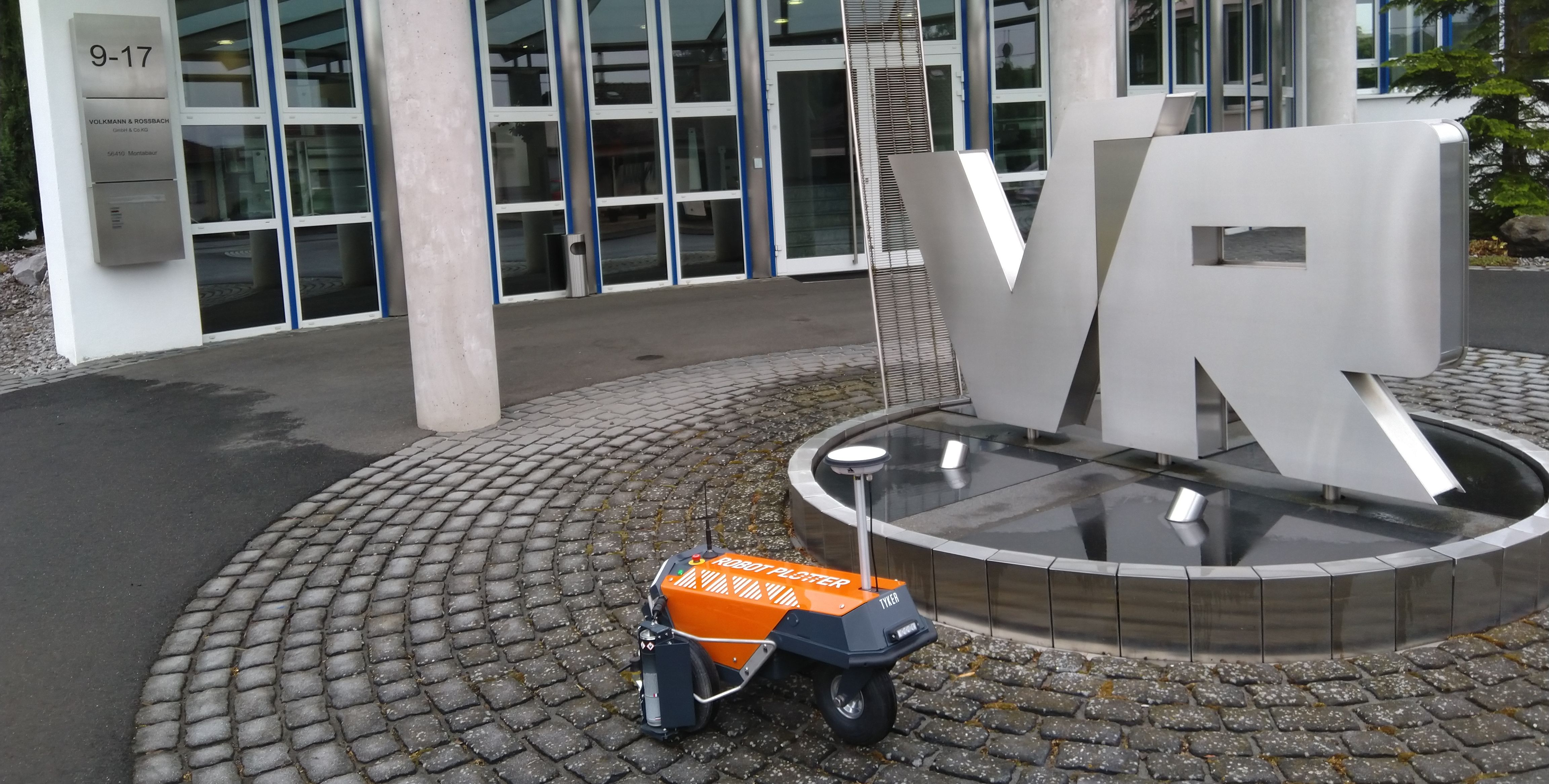 Robot Plotter gaat de grens over naar Duitsland: Volkmann & Rossbach heeft de primeur