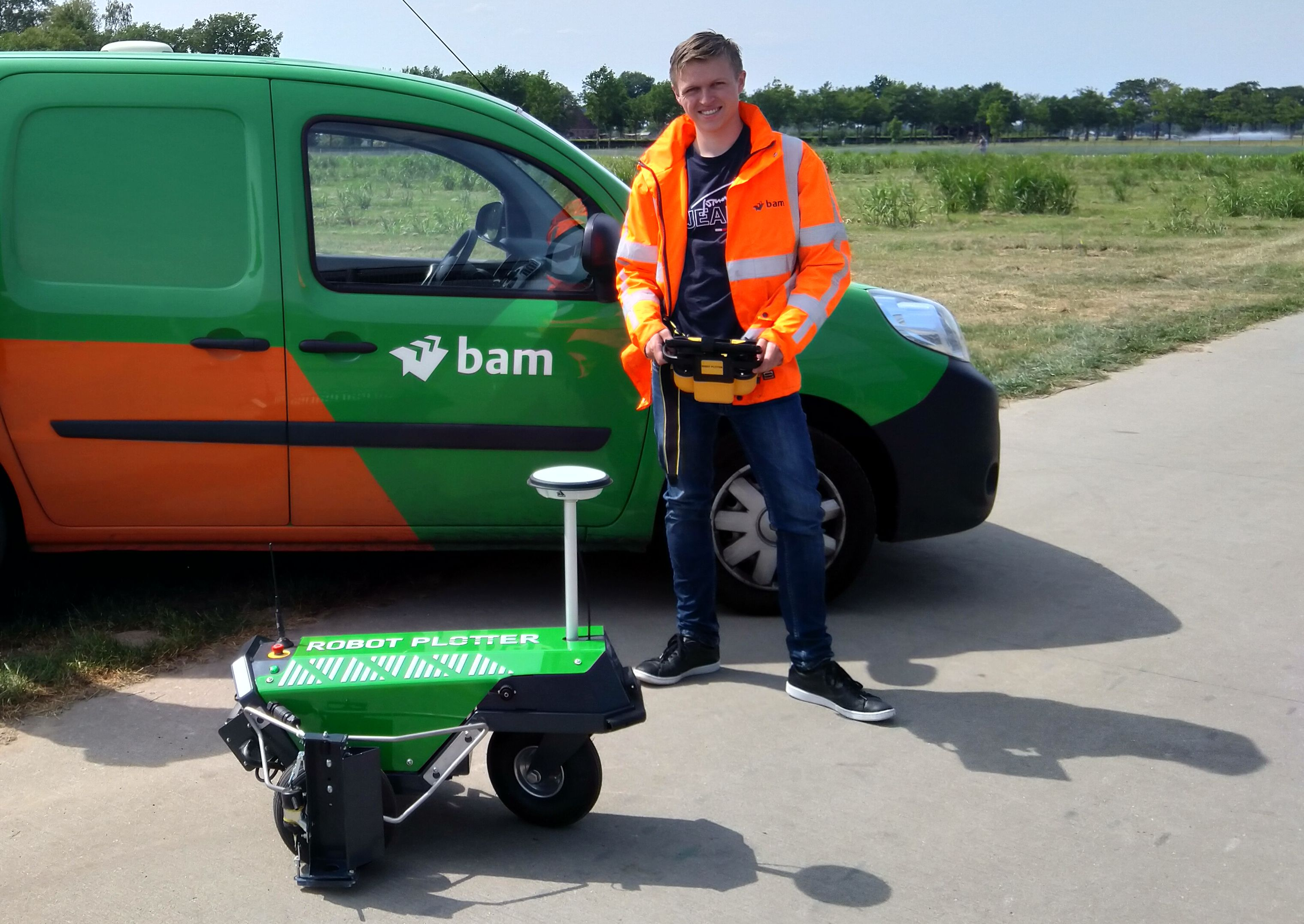 BAM ook in het bezit van een Robot Plotter