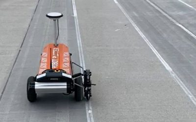 Robot Plotter bei der Arbeit am Stuttgarter Flughafen