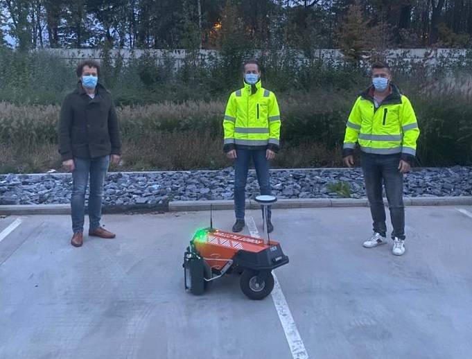 Robot Plotter dealer for Belgium, Luxembourg and the Gulf States